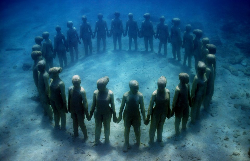 vicissitudes-001-jason-decaires-taylor-sculpture